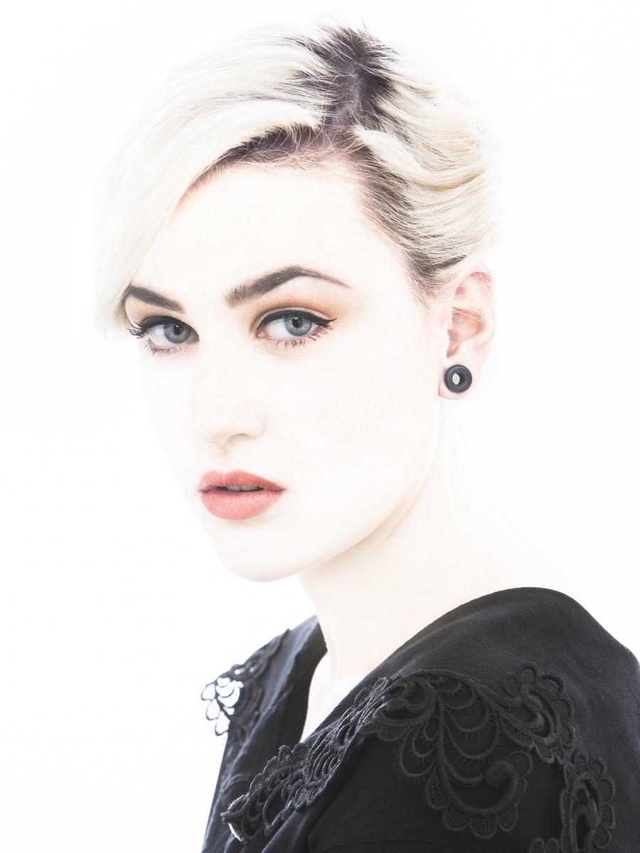 04-Laura 3_cor